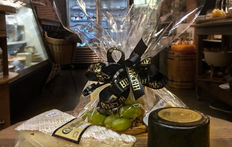 Herma's News - Final Silent Auction Item, NEW Baggallini, Lamp Berger and Goldleaf